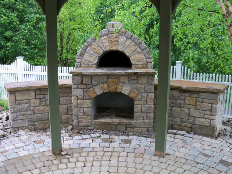 PIZZA OVEN with LOG STORAGE